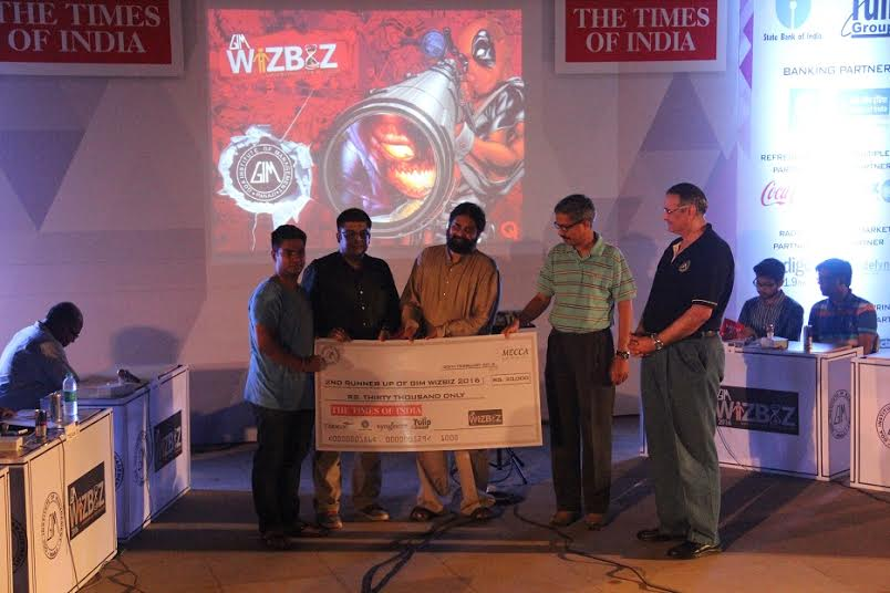 Rohan Khanna from Deloitte and Jayakanthan from TCS walk away winners at GIM's WIZBIZ 2016
