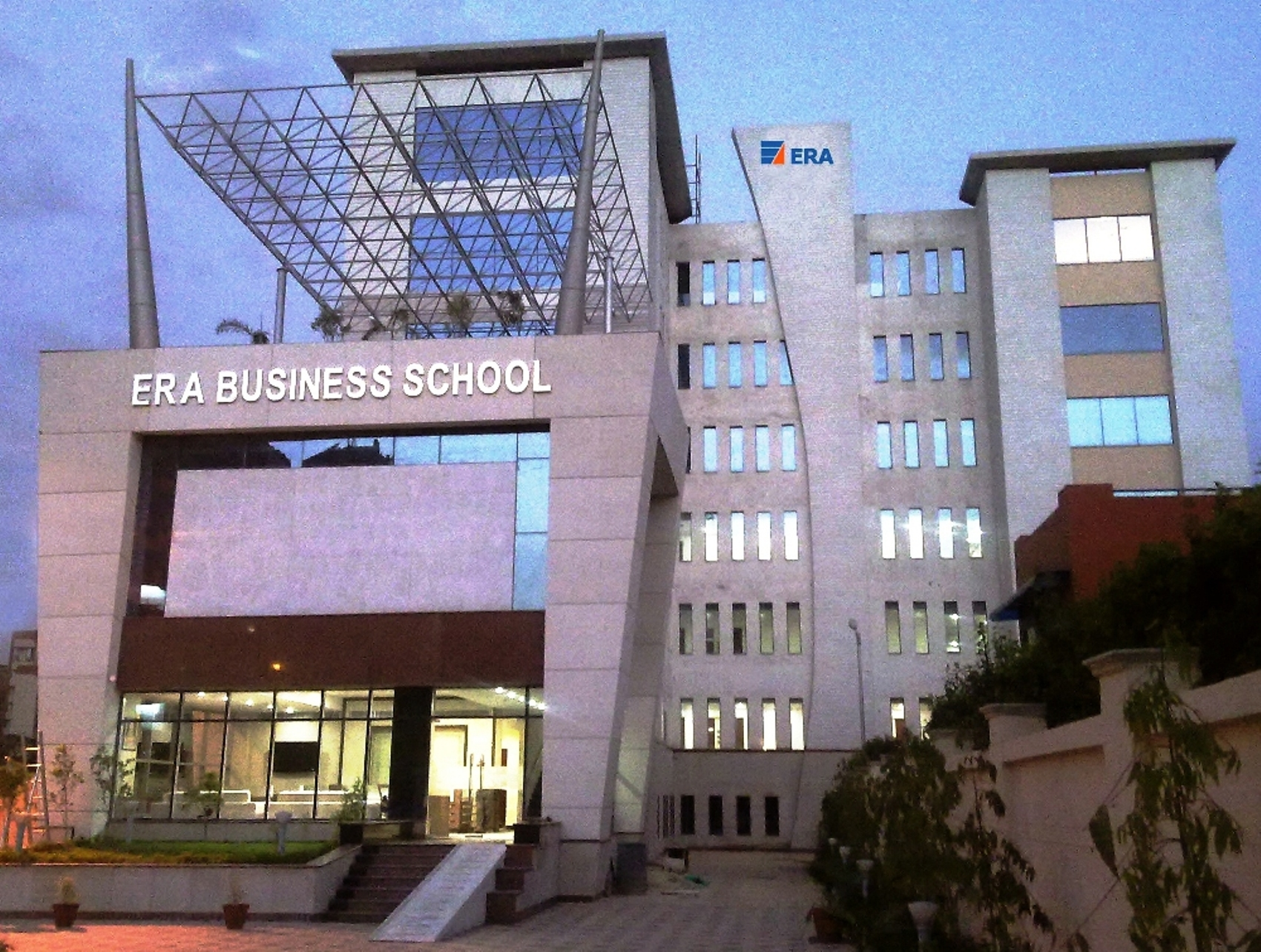 ERA Business School offers in company PGDM program for working Professionals