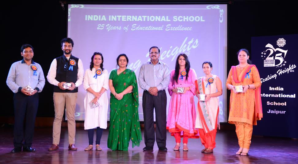 Alumni Meet 'IIS Re-connects' organized at India  International School