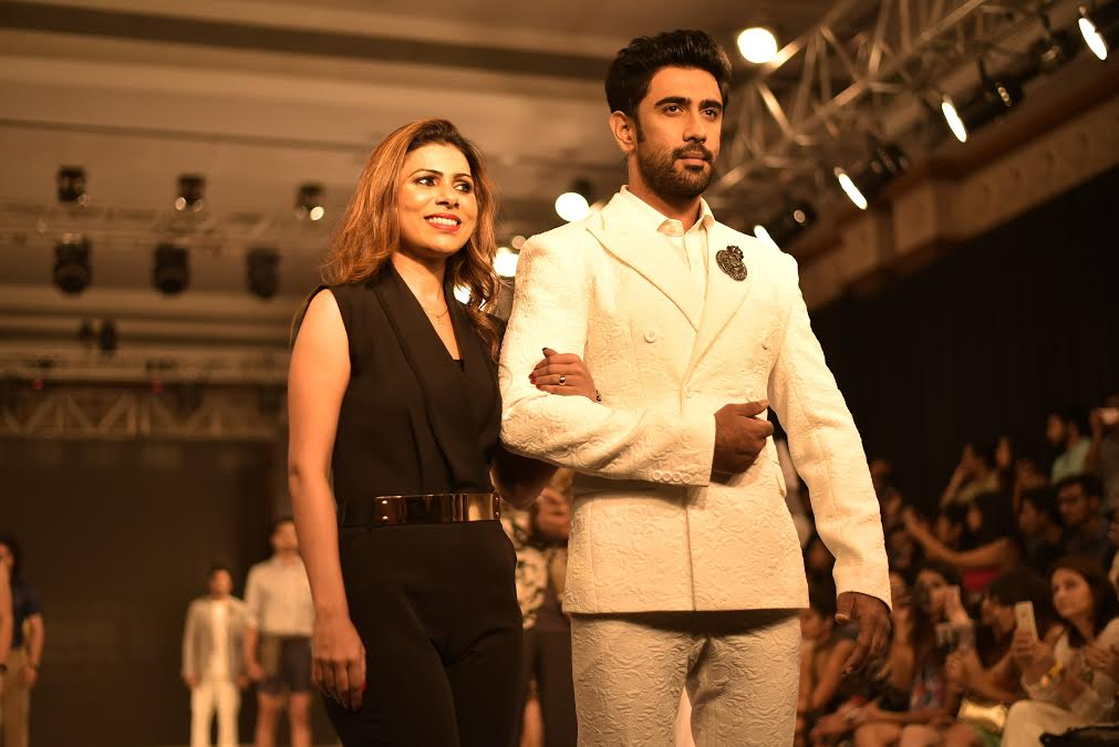Bohemian Flair, Mughal Romance and Vibrant Hues take Centre Stage at the India Beach Fashion Week