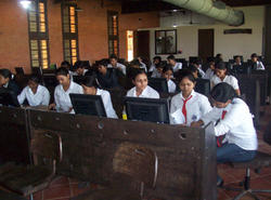 Computer Lab - J D College of Engineering, Nagpur