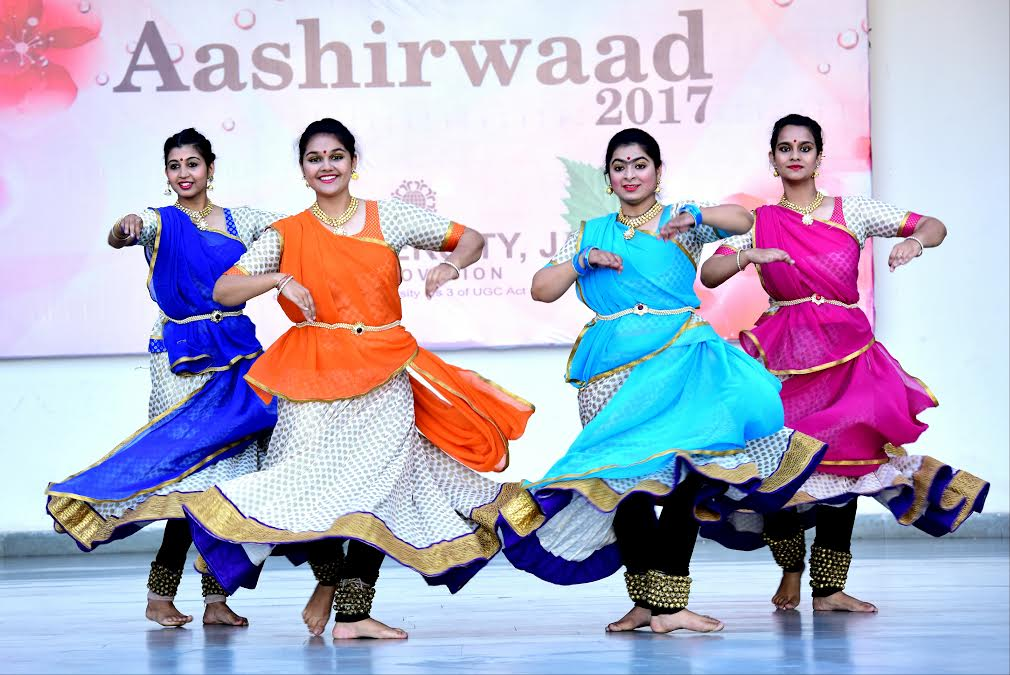 "Juniors bid farewell to seniors in ""Aashirwaad 2017"""